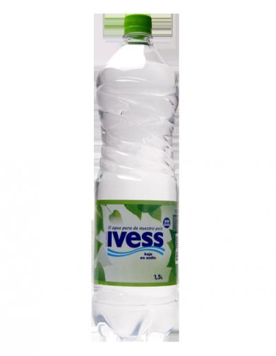 Agua IVESS en botella descartable 1,5 lts